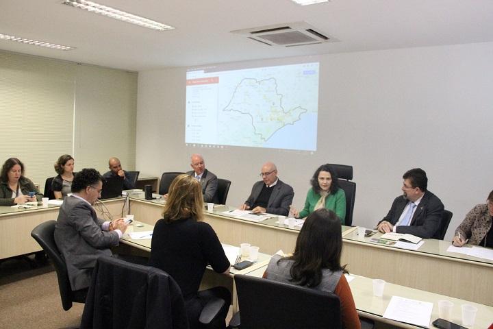 Reitores das quatro instituições federais de ensino superior (IFES) do Estado de São Paulo e parlamentares da bancada paulista se reuniram na Reitoria da Unfesp para discutir o impacto do contingenciamento do orçamento da Educação