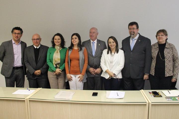 Da esquerda para a direita: Alencar Santana (PT/SP), Eduardo Modena (IFSP), Soraya Smaili (Unifesp), Tabata Amaral (PDT/SP), Herulano Passos (MDB/SP), Renata Abreu (PODE/SP), Dácio Matheus (UFABC) e Wanda Hoffmann (UFSCar)